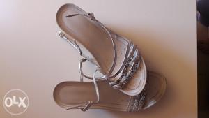 Geox sandale br.37