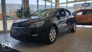 Opel Astra J sedan 1.6 CDTI Enjoy