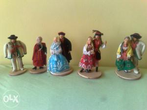 Figurice Narodna Nosnja s Kompletnom Odjecom, Rucni Rad