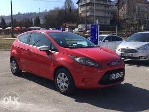 Ford Fiesta 1.3i PLIN , full oprema , mod.2010god.