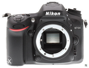 NIKON D7100 - samo 700 okidanja