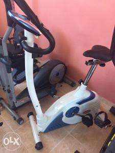 Sobno magnetno biciklo (bijelo/plavo) 062/572-491