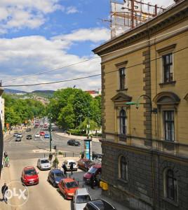 Četverosoban stan sa garažom- Kranjčevićeva - SNIŽENO!
