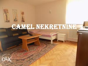 Dvoiposoban stan / 51 m2 / Višnjik