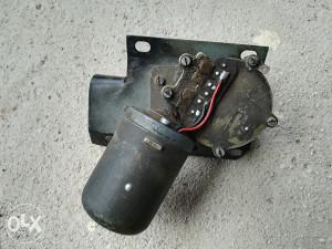 Motor za brisače (fićo)