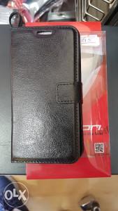 Crna preklopna futrola LG G5