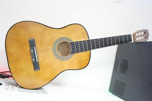 Gitara gitare NOVE akusticna klasicna