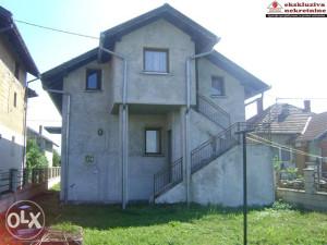 Kuća na sprat na placu površine 979m2 ID 1378/PD