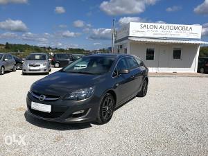 Opel Astra J 1.7cdti 96kw 2013g.p Cosmo