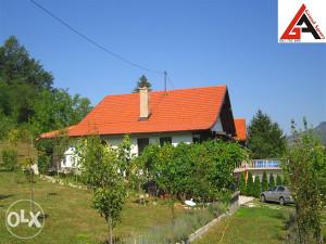 Kuća 230 m2 sa 3080 m2 okućnice - Zenica