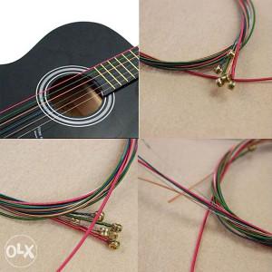 Metalne žice u boji za gitaru