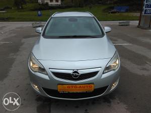 Opel astra 1.7 tdci. 2011