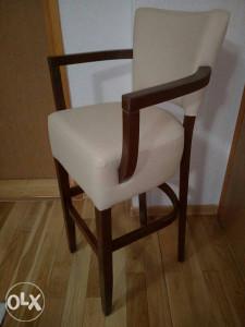 Barska stolica sa rukonaslonom