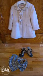 Kaputić Brums, cipele Kavat, kapa i marama H&M