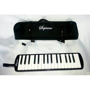 Soprano Melodika 32K crna boja sa torbom