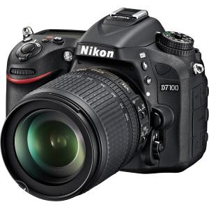 NIKON D7100 18-105mm VR Kit - samo 4.600 okidanja