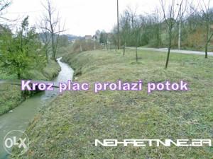 Tuzla-Zemljište pored magistralnog puta sa potokom