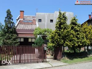 Kuća Pr+1s sa 453m2 placa 1735/GT