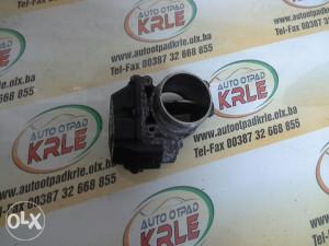 Difuzor klapna gasa T5 2.5 TDI 076128063A KRLE 8510