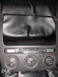 VW Golf 5 Prekidaci grijanja klime  1k0 858 069