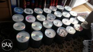 Preko 670 Serija na oko 2500 DVD-ova.