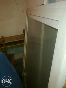 Prozor - drveni okvir 130 x 130 cm