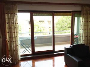 Prodaje se trosoban namješten stan u TC Rondo