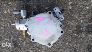 Vakum pumpa Audi A4 Q5 1.8 TFSI 06J145100 2010 dijelovi
