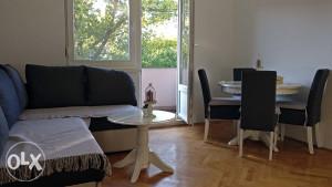 Iznajmljuje se dvosoban renoviran stan u Mostaru