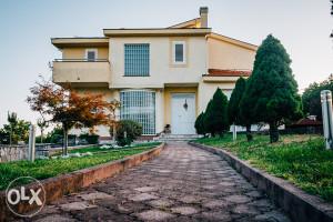Prodaje se potpuno opremljena kuća u Blatnici