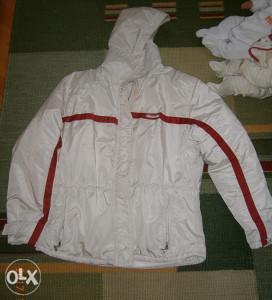 Krasna jakna,marka ELLESSE.Veličina 40.Kao NOVA!