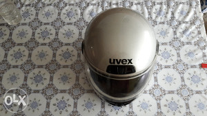 Kaciga za motor UVEX