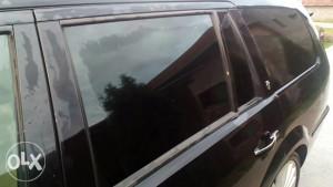 zadnje lijevo bocno staklo ford mondeo 3 karavan