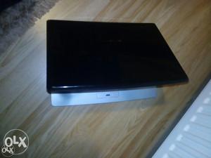 Laptop Medion Akoya,dual core,web camera,hdmi,40 km