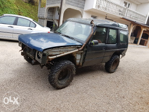 Land Rover Discovery off road dzip