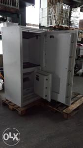SEF trezor kasa  173x83x70 cm