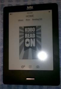 Čitač knjiga Kobo Touch, sličan Kindle Touch modelu