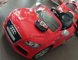 Auto na akumulator autic sa daljinskim AUDI NOVO!