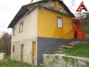 Kuća 80 m2 i 570 m2 okućnice - Zenica