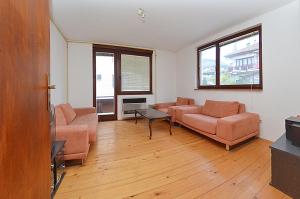 Dvosoban stan u etažiranoj kući, Grbavica