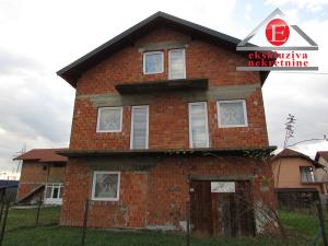 Kuća na sprat sa visokim potkrovljem ID:2552/DŠ