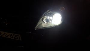 Opel Astra xenon, xenoni
