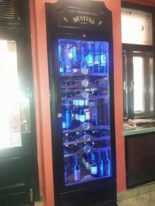 Ugradbena rashladna vitrina za vino po Vašoj želji