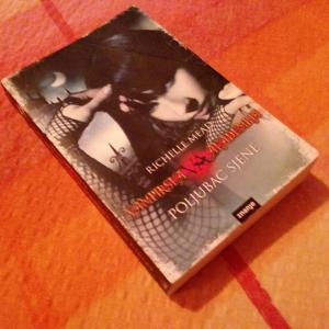 Vampirska akademija - Poljubac sjene