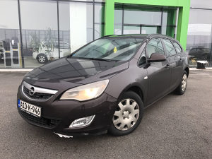 Opel Astra 1.6 2012 M/T