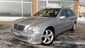 MERCEDES C220 CDI *Facelift*model 2005god.NOV NOV