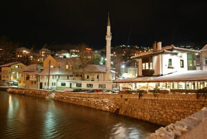 Renoviran trosoban stan-Alifakovac-75m2