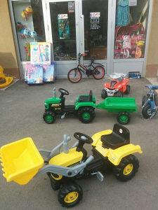 Traktori, AUTA BMW, igračke,bicikla