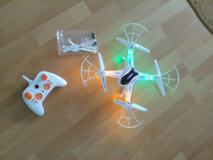 Quadcopter/Drone 2.4G 6-Axis Gyro