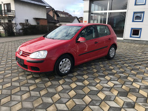 GOLF 5 V 1.9 TDI Model 2006 DIGITALNA KLIMA